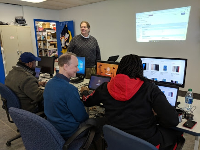 Individuals in recovery learn to use eBay to make money